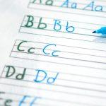 Vorlage Buchstaben mit einem Stift