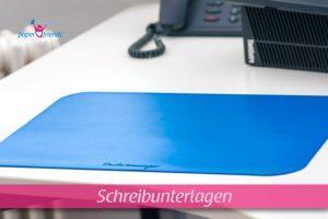 blaue Schreibtischunterlage